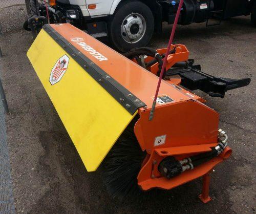 front-mount-broom-for-plow-truck2