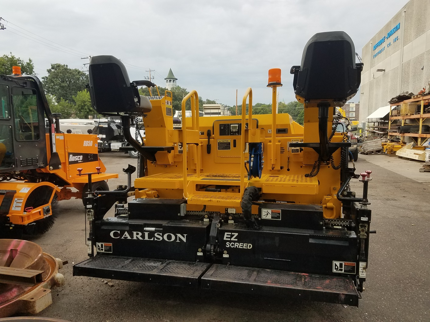 2016 Carlson CP100 asphalt paver - Ruffridge-Johnson